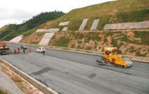各地重大项目近期集中开工 总投资规模超过万亿元