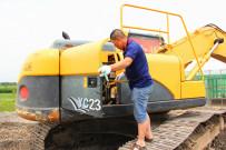 刘刚:用精湛的技术擦亮玉柴挖掘机服务品牌
