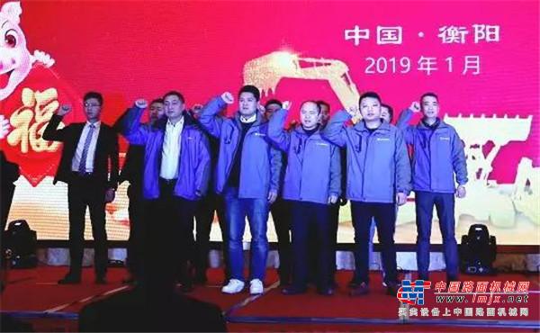 DK王者 重智成金丨徐工挖机DK系列新品全国巡演活动正式启动