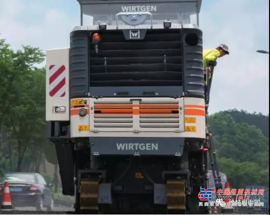维特根:工地报告 | W 195 冷铣刨机 修复 104 国道高效且专业