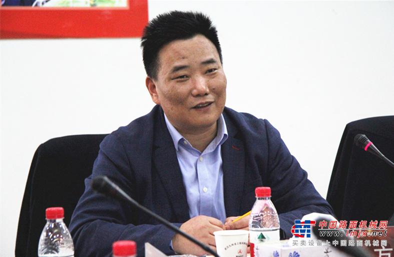 携手 聚势 共赢——2019年湖北省工程机械商会年会成功举办