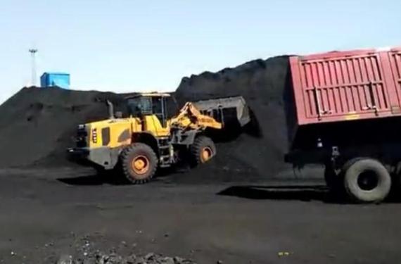 英軒重工裝載機煤場工況