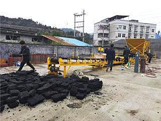 路面坑槽修補的好幫手——閩科瀝青混合料制磚機