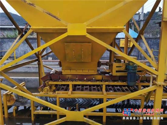 路面坑槽修补的好帮手——闽科沥青混合料制砖机