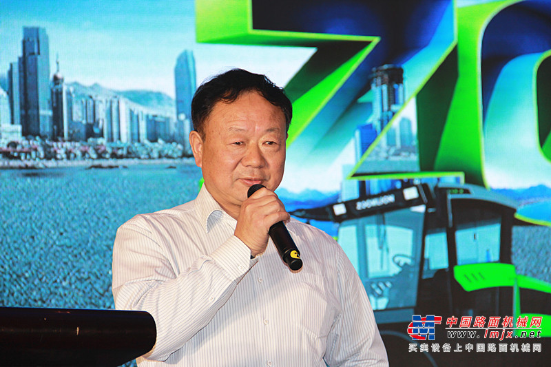 助铰淮海经济区展开 中联路机4.0产品暖和销彭城