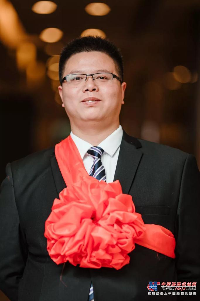 """""""三一人物""""陈再仁:三一消防车教练""""第一人"""""""