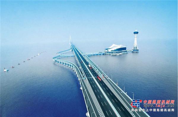 山推建友助建国内首座跨海高速铁路桥