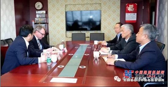 特雷克斯中国总裁 Mark Duval一行到访协会