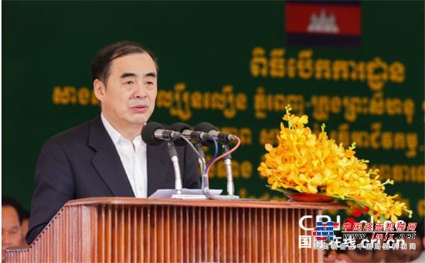 山推建友助力柬埔寨首条高速—金港高速