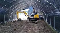 大棚施工有它就够,三一微挖成农村建设加分项