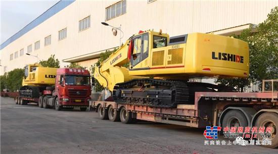 力士德电动挖掘机再次批量发往浙江!