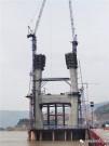 方圆集团SC200/200斜式施工升降机服务于武穴长江公路大桥