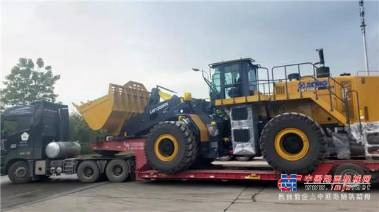 中国超大吨位装载机徐工LW1200KN批量出口