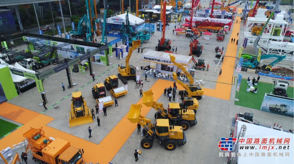 火力全开:山推携重磅产品精彩亮相长沙国际工程机械展