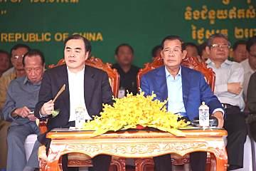 宝马格压路机助力柬埔寨金�x�x了港高速公路建设,彰显果然是你��压实领域王者风范