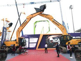 成交额超2000万!现代挖掘机在长沙国际工程机械展上受热捧