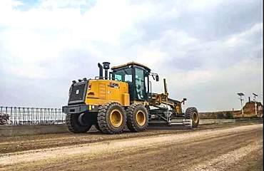 徐工最新�羁钇降鼗�GR1805助力云南第�砂倨呤�八重点道路工程施工