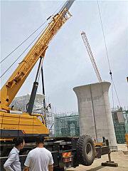 巨臂高擎,柳工起重机助推雄■安大发展