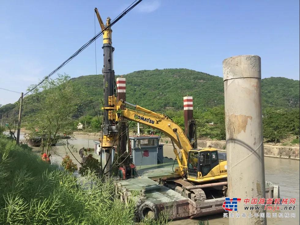 泰信:施工案例 |KR50旋挖钻机水上施工