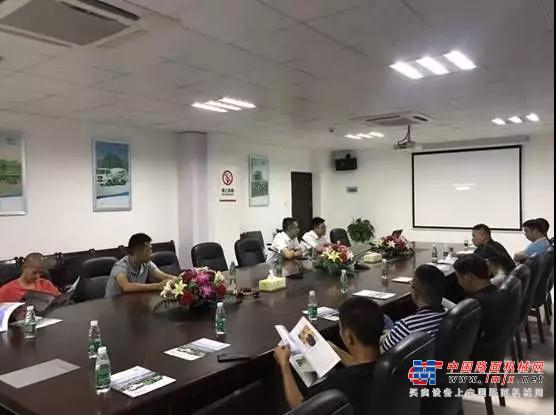 广州渣土车客户代表走进湖南华菱•星马参观考察