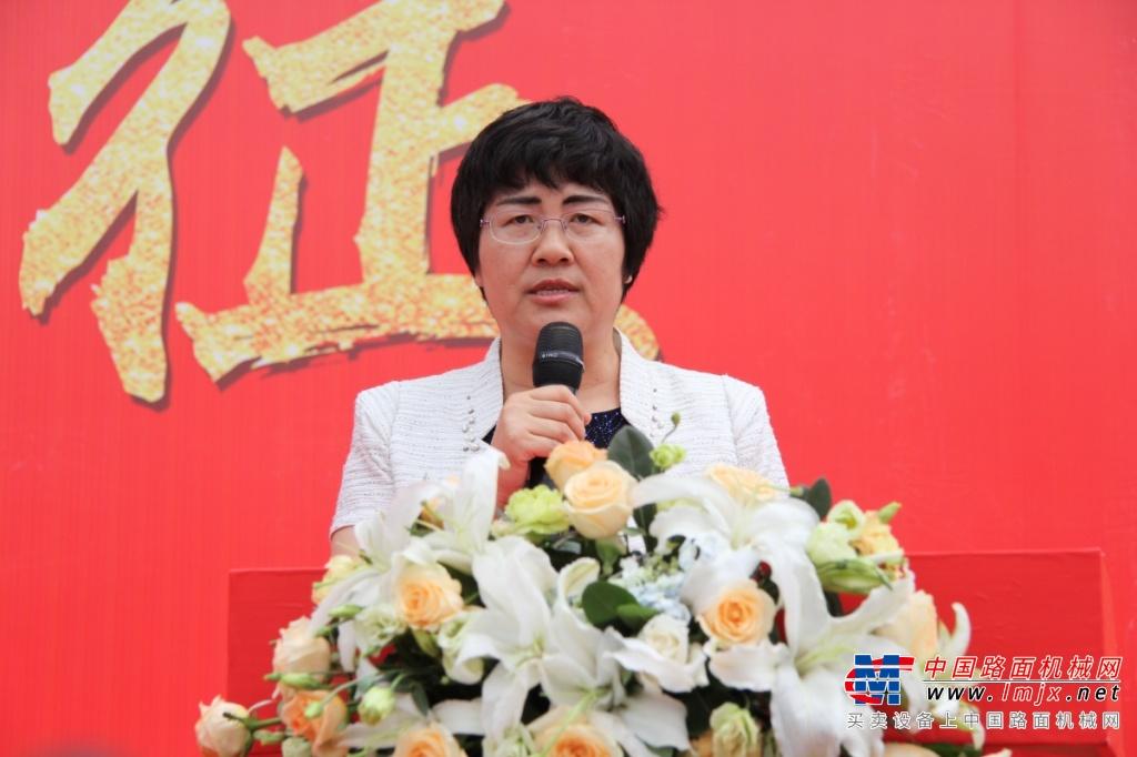 湖南联升重科盛大开业,中联重科挖掘机现场签约1.86亿元!