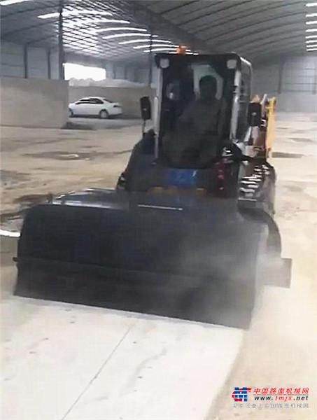 施工清扫专家 | 柳工滑移装载机成用户首选