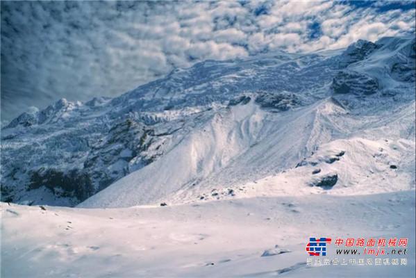 施工案例│徐工除雪平地机和安第斯山脉的冰雪奇缘