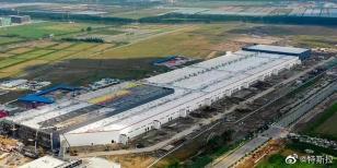 特斯拉上海超级工厂量产在即,徐工起重机再交亮眼答卷