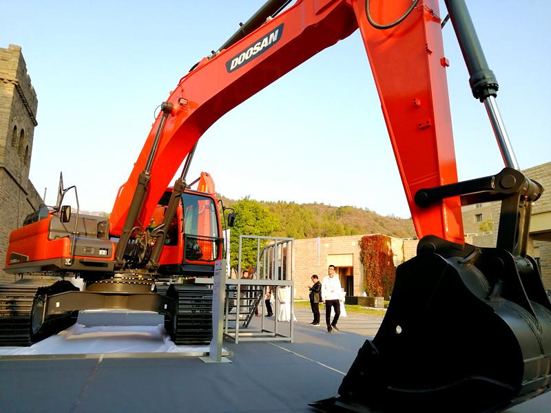装车神器:9C系列新品DX360LC-9C挖掘机
