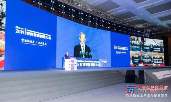 【媒体专访】徐工王民:智能化转型激活产业新动能