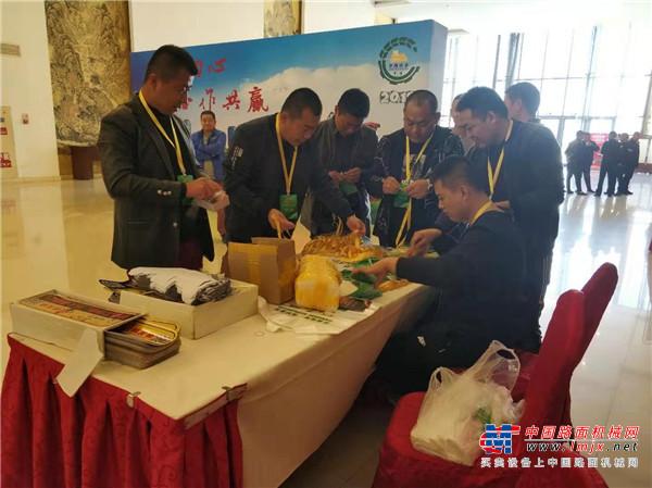 不忘初心 合作共贏!機友會—北京推土機用戶協會2019年會在京成功舉行