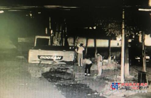 """绵竹三名""""油耗子""""深夜盯上挖掘机 作案10起被抓获"""