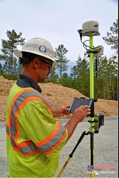 创新技术 | 维特根Autopilot 2.0 滑模摊铺自动导航系统让混凝土摊铺显著加速