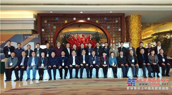 以标准促发展 2019中国沥青搅拌设备高峰论坛在福建泉州成功举办