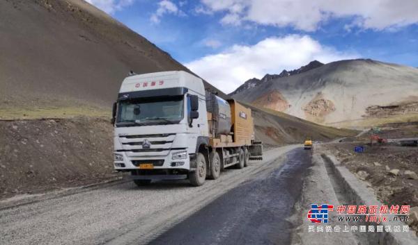 横跨5000米海拔的完美施工表现,徐工沥青碎石同步封层车为何如此优秀?