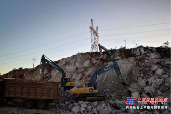 约翰迪尔:30吨级的挖掘机,老司机都开过