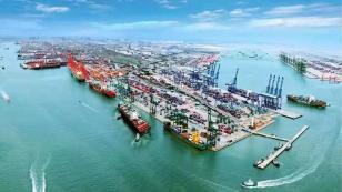 海斯特J2.50EX助力港口运输企业快速发展。你的需求,我的追求!