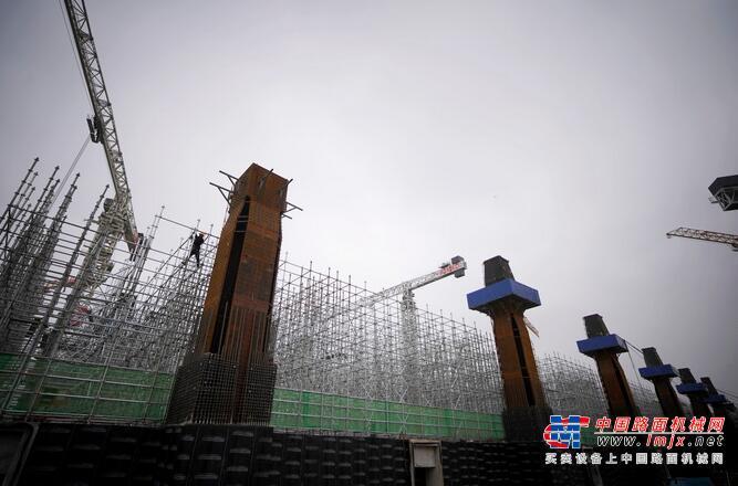 河北省省长:今年在雄安形成塔吊林立、热火朝天建设场面