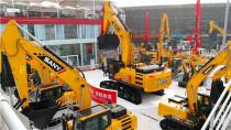 2019年挖掘机销售235693台、装载机销售123615台
