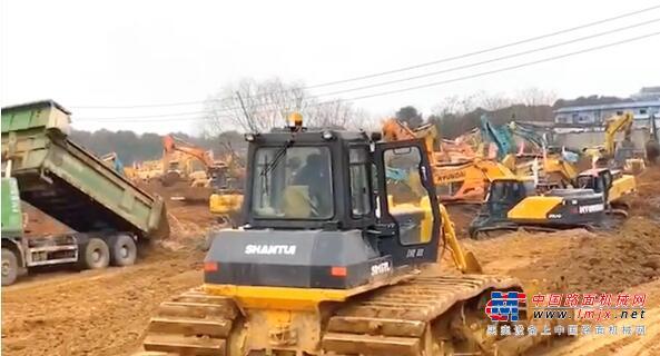 """山推设备紧急加入""""武汉小汤山""""医院建设工程"""