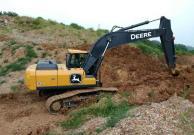 三年省出一辆帕萨特!看约翰迪尔河南客户如何品评E210LC挖掘机