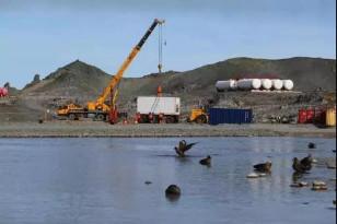 """助力极地科考,柳工在行动 """"雪龙2""""号完成南极长城站卸货任务"""