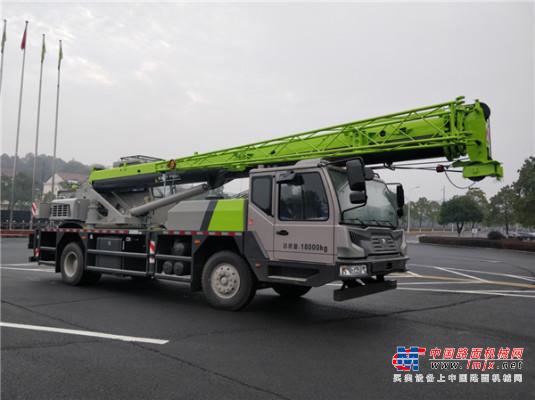 中联重科线上推广直播忙 灵活高效12吨汽车起重机新品揭秘