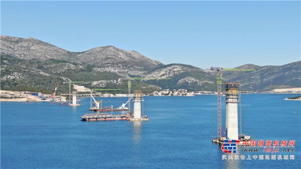 """""""绿巨人""""傲立亚得里亚海 中联重科建筑起重机械助建克罗地亚""""统一之桥"""""""