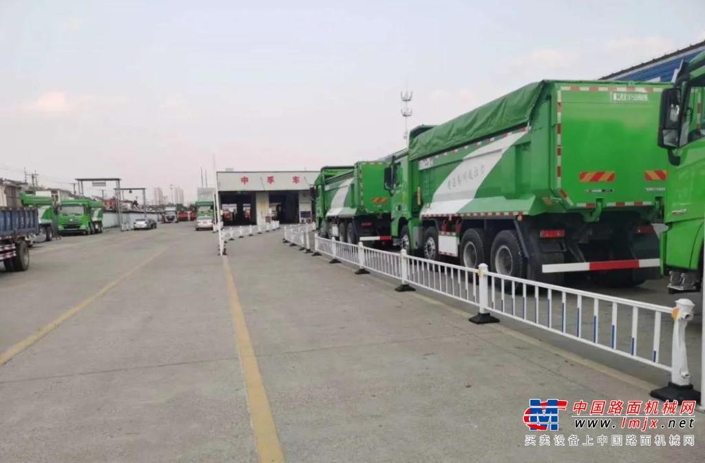鼠你最红| 泰州进击,36台徐工漢風G7环保渣土车极速交付!