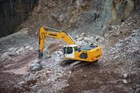 利勃海尔最新一代履带式挖掘机R 926和R 938在CONEXPO上亮相