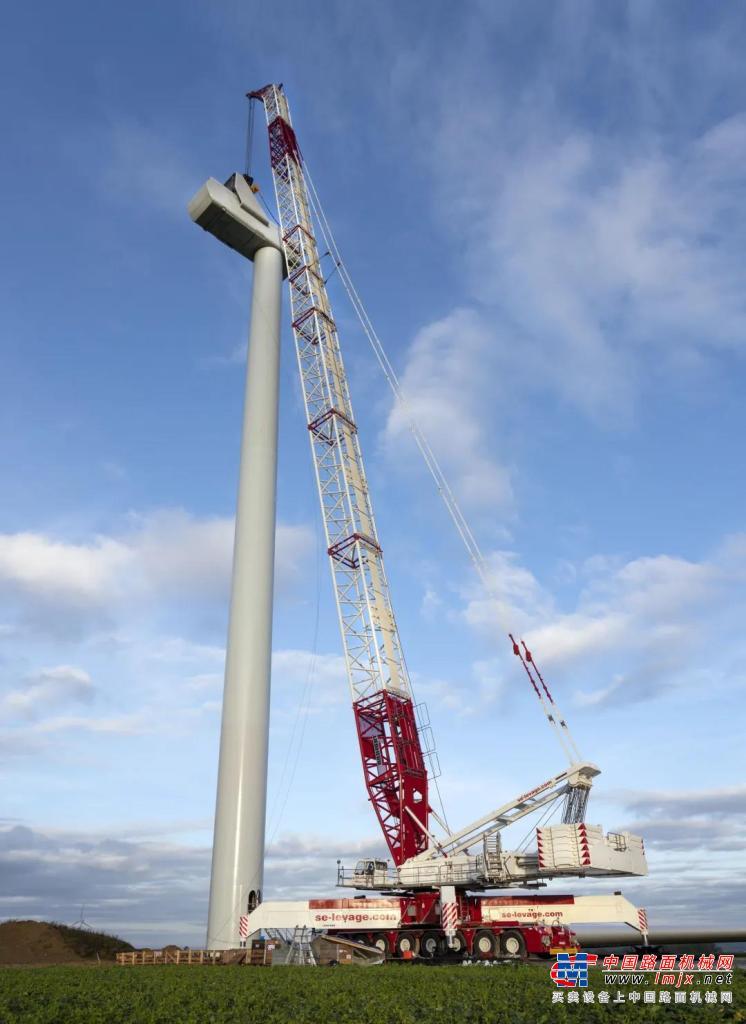利勃海尔:S.E Levage公司的二手起重机LG 1750成功快速地完成风场安装工作