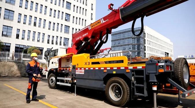 彰显中国智造魅力——五新多功能拱架安装车