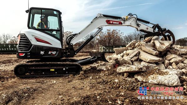 山猫推出R2系列紧凑型挖掘机