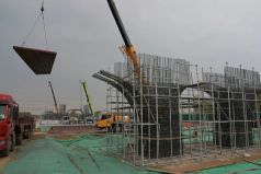 中交一公局集团在京雄高速兰沟洼特大桥建设工地施工